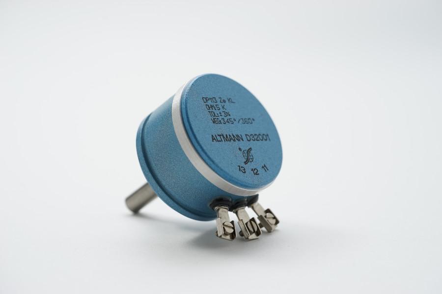 Nahaufnahme eines elektronischen Bauteils (Potentiometer)