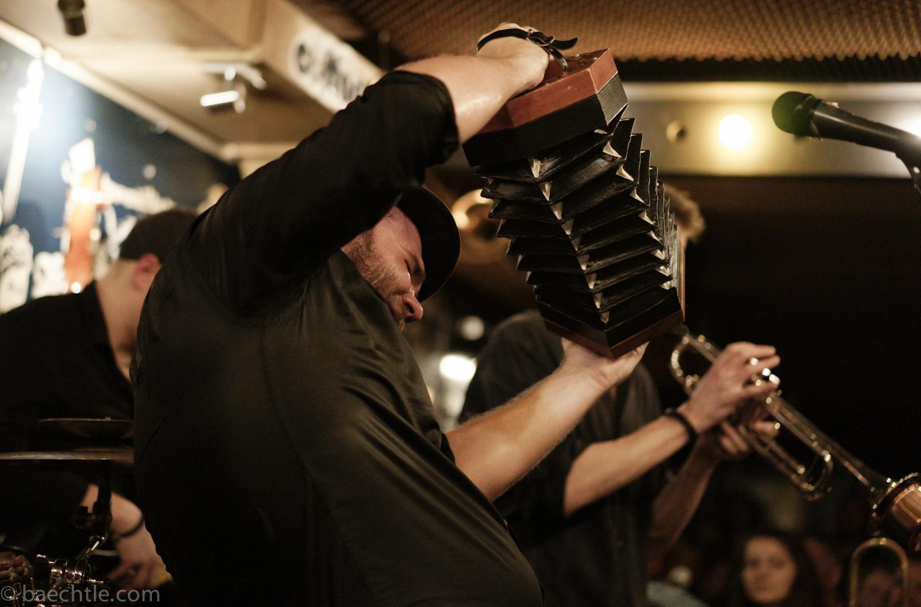 Konzertfotografie – Well Bad im Cotton Club